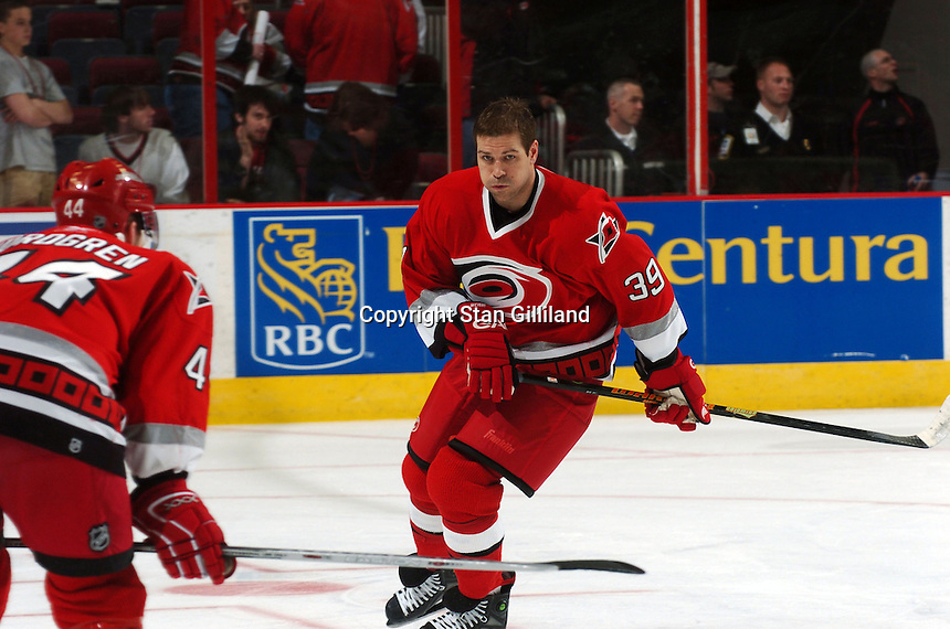 Carolina Hurricanes' Doug Weight warms up prior to a game with the Boston Bruins at the RBC Center in Raleigh, NC Wednesday, March 1, 2006. The Hurricanes won 4-3...