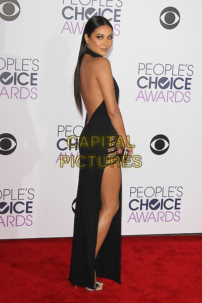 LOS ANGELES, CA - JANUARY 6: Shay Mitchell at The People's Choice Awards 2016 at the Microsoft Theater on January 6, 2016 in Los Angeles, California. <br /> CAP/MPI21<br /> &copy;MPI21/Capital Pictures