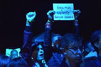 BOGOTA - COLOMBIA, 27-05-2018: Sin importar la derrota, sus seguidores siguen apoyando a Sergio Fajardo. Las elecciones presidenciales de Colombia de 2018 se celebrarán el domingo 27 de mayo de 2018. El candidato ganador gobernará por un periodo máximo de 4 años fijado entre el 7 de agosto de 2018 y el 7 de agosto de 2022. / No matter what, his followers still supporting to Sergio Faardo. Colombia's 2018 presidential election will be held on Sunday, May 27, 2018. The winning candidate will govern for a maximum period of 4 years fixed between August 7, 2018 and August 7, 2022. Photo: VizzorImage / Nicolas Aleman / Cont