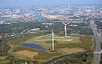 Energieberg Georgswerder mit Hoehenweg und Windkraft: EUROPA, DEUTSCHLAND, HAMBURG, (EUROPE, GERMANY), 01.10.2016:  Der Deponiehuegel Georgswerder mit Hoehenweg und Windkraftanlage von Hamburg Energie.