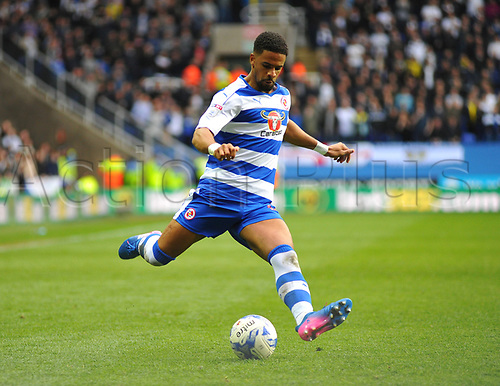 April 1st 2017, Madejski Stadium, Reading, Berkshire, England; Skybet Championship football, Reading Town versus Leeds United; Garath McCleary, Midfielder for Reading FC crosses the ball