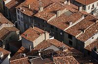 Europe/France/Midi-Pyrénées/09/Ariège/Vallée de l'Ariège/Foix: Les toits de la ville depuis le chateau