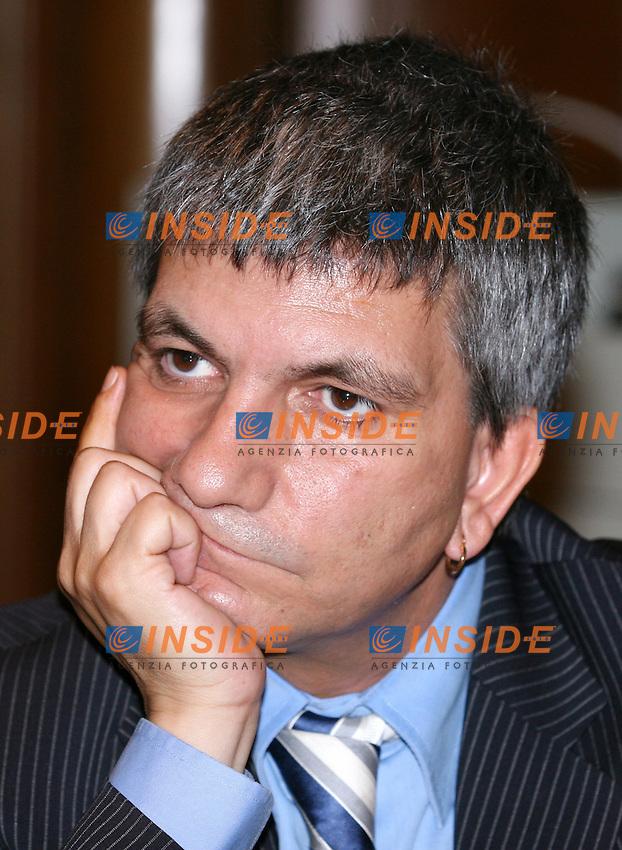 Roma 22-06- 2006 Palazzo Chigi:Conferenza Stato-Regioni<br /> Nella foto il presidente della Regione Puglia Nichi Vendola<br /> Photo Serena Cremaschi Insidefoto