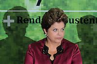 BRASILIA, DF, 04 DE JULHO DE 2012 - A presidente da Republica Dilma Rousseff durante cerimonia de lancamento do Plano Safra da Agricultura Familiar 2012/2013, no Palacio do Planalto nesta quarta-feira, 04. - Foto: Pedro Franca/Brazil Photo Press