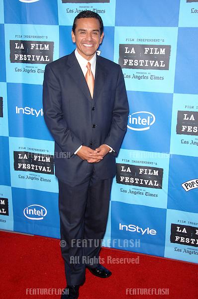 "Los Angeles Mayor ANTONIO VILLARAIGOSA at the Los Angeles Film Festival premiere of ""The Devil Wears Prada""..June 22, 2006  Los Angeles, CA.© 2006 Paul Smith / Featureflash"