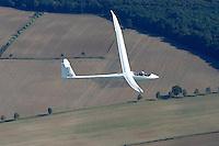 ETA: EUROPA, DEUTSCHLAND, SCHLESWIG- HOLSTEIN 17.09.2004: Größtes Seriensegelflugzeug der Welt, Eta mit Hans- Werner Grosse aus Pilot
