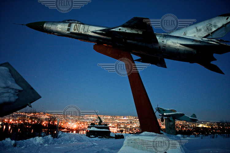 A monument to the armed forces above Murmansk, the world's largest Arctic city and a vital industrial and shipping hub. /Felix Features