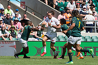 Twickenham, United Kingdom. 3rd June 2018, HSBC London Sevens Series. Game 38 Cup Semi Final. South Africa vs England. <br /> <br /> Englands, Mike ELLERY finds himself the centre of attention, as he run with the ball on the wing, during the Rugby 7's, match played at the  RFU Stadium, Twickenham, England, <br /> <br /> <br /> <br /> &copy; Peter SPURRIER/Alamy Live News