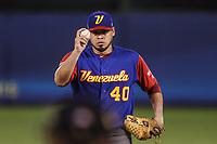 Omar Bencomo de Venezuela hace lanzamientos en el primer inning ,durante el partido de desempate italia vs Venezuela, World Baseball Classic en estadio Charros de Jalisco en Guadalajara, Mexico. Marzo 13, 2017. (Photo: AP/Luis Gutierrez)