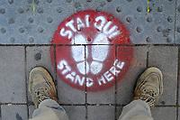 - epidemia di Coronavirus, traspori pubblici, fermata d'autobus, Milano, Aprile 2020<br /> <br /> - Coronavirus epidemic, public transports, bus stop, Milan, April 2020