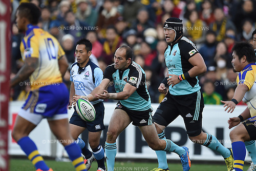 Fourie Du Preez (), DECEMBER 12, 2015 - Rugby : Japan Rugby Top League 2015-2016 match between NTT Communications Shining Arcs 5-38 Suntory Sungoliath at Chichibunomiya Rugby Stadium, Tokyo, Japan. (Photo by AFLO)
