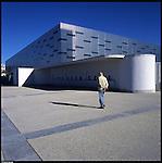 La nuova città di Torino, completata per le olimpiadi del 2006. Il Palaisozaki.
