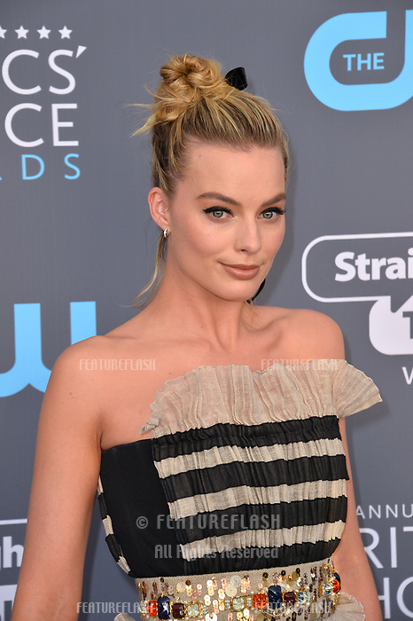 Margot Robbie at the 23rd Annual Critics' Choice Awards at Barker Hangar, Santa Monica, USA 11 Jan. 2018<br /> Picture: Paul Smith/Featureflash/SilverHub 0208 004 5359 sales@silverhubmedia.com