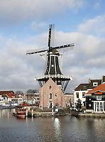 Nederland Haarlem 2016 . De Adriaan is een achtkantige stellingmolen aan het Spaarne. De molen is tegenwoordig een museum. Foto Berlinda van Dam / Hollandse Hoogte