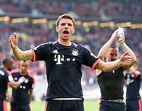 Fussball  1. Bundesliga  Saison 2015/2016  29. Spieltag  VfB Stuttgart  - FC Bayern Muenchen    09.04.2016 Schlussjubel  FC Bayern Muenchen; Thomas Mueller