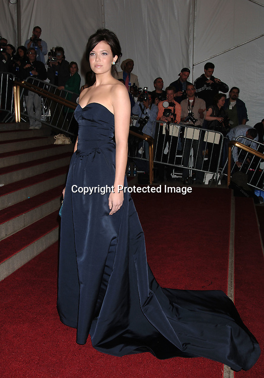 Mandy Moore ..arriving to the Costume Institute Gala celebrating AngloMania on May 1, 2006 at The Metropolitan Museum of ..Art. ..Robin Platzer, Twin Images..
