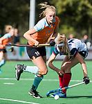 HUIZEN  -  Marle Brenkman (Gro)   , hoofdklasse competitiewedstrijd hockey dames, Huizen-Groningen (1-1)   COPYRIGHT  KOEN SUYK