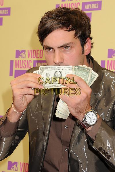 Jeff Dye.Arrivals at the The 2012 MTV Video Music Awards held at Staples Center in Los Angeles, California, USA..September 6th, 2012.VMA's VMAS VMA half watch length money cash dollars brown black green shirt jacket .CAP/ADM/BP.©Byron Purvis/AdMedia/Capital Pictures.