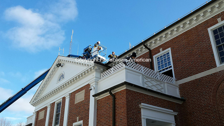 MIDDLEBURY, CT -- 20 Jan. 2015: 012015BB01 A work crew from Gale Associates takes samples from the Town Hall roof Tuesday morning. Bill Bittar Republican-American