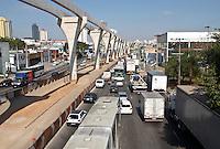SAO PAULO,SP,31 AGOSTO 2012 - TRANSITO - Transito intenso na Avenida Luiz Inacio de Anhaia Mello, na manha desta sexta-feira, 31. .FOTO ALE VIANNA-BRAZIL PHOTO PRESS.