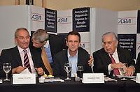RIO DE JANEIRO, RJ, 23 AGOSTO 2012 - ELEICOES 2012-EDUARDO PAES-O candidato a reeleicao pela coligacao Somos um Rio, Eduardo Paes, participa de almoco com representantes da Associacao de Dirigentes de Empresas do Mercado Imobiliario (Ademi). No encontro, serao discutidas propostas para o setor, no Hotel Sheraton, no Leblon, na zona sul do Rio de Janeiro.(FOTO:MARCELO FONSECA / BRAZIL PHOTO PRESS).