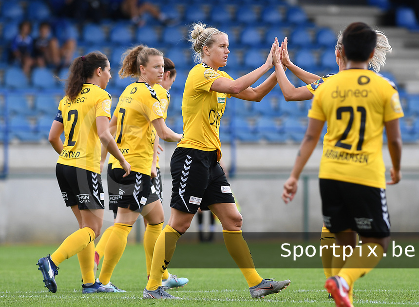 20190807 - DENDERLEEUW, BELGIUM : LSK's Elise Thorsnes (middle) pictured being celebrated after scoring a quick 1-0 during the female soccer game between the Norwegian LSK Kvinner Fotballklubb Ladies and the Northern Irish Linfield ladies FC , the first game for both teams in the Uefa Womens Champions League Qualifying round in group 8 , Wednesday 7 th August 2019 at the Van Roy Stadium in Denderleeuw  , Belgium  .  PHOTO SPORTPIX.BE for NTB  | DAVID CATRY