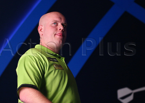 01.01.2017. Alexandra Palace, London, England. William Hill PDC World Darts Championship. Michael van Gerwen looks out at the crowd, as he makes the walk to the Oche, for his Semi Final match with Raymond van Barneveld