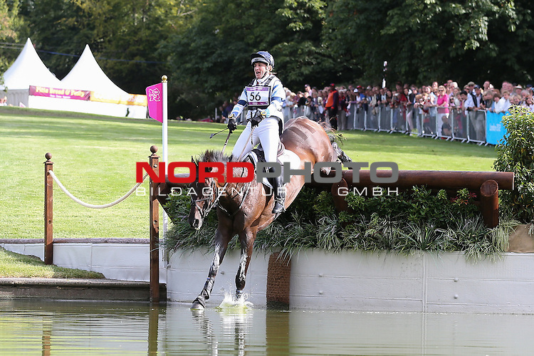 30.07.2012, Greenwich Park, London, Great Britain, Olympische Sommerspiele 2012, Vielseitigkeitsreiten Cross-Country, im Bild<br /> Kristina Cook (Gro&szlig;britanien) auf Miners Frolic<br /> <br /> Foto &copy; nph / Mueller *** Local Caption ***