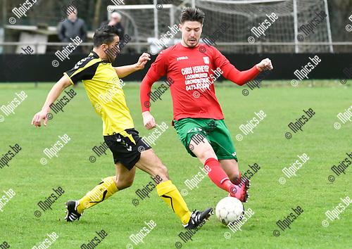2017-03-19 / voetbal / Seizoen 2016 - 2017 / Berg en Dal - Lille / een duel om de bal tussen Nurullah Kocak (l) (Lille) en Lloyd Poelmans (r) (Berg en Dal)