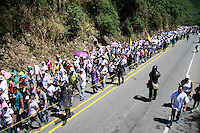 MANIZALES-COLOMBIA. 26-12-2012. Cerca de 5 mil mineros marcharon por la vía Bogotá Medellín a la altura de Marmato en Caldas. El recorrido fue de 4 km y luego volvieron al sitio de concentración./ About 5000 miners march along the road Bogota-Medellin at the place called Marmato, Caldas department. The Protesters made a tour of 4 km and comeback to the place of concentration. Photo: VizzorImage/Yonboni/STR