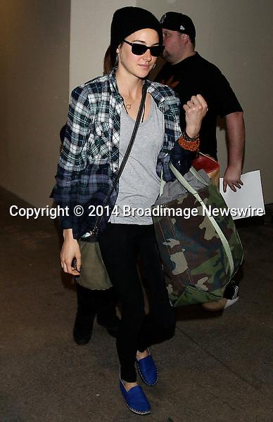 Pictured: Shailene Woodley<br /> Mandatory Credit &copy; CALA/Broadimage<br /> Shailene Woodley arrives at the Los Angeles International Airport<br /> <br /> 1/21/14, Los Angeles, California, United States of America<br /> <br /> Broadimage Newswire<br /> Los Angeles 1+  (310) 301-1027<br /> New York      1+  (646) 827-9134<br /> sales@broadimage.com<br /> http://www.broadimage.com