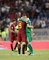 Calcio, Serie A: Roma, stadio Olimpico, 26 agosto, 2017.<br /> Roma's Edin Dzeko (l) greets Inter's Samir Handanovic (r) during the Italian Serie A football match between Roma and Inter at Rome's Olympic stadium, August 26, 2017.<br /> UPDATE IMAGES PRESS/Isabella Bonotto