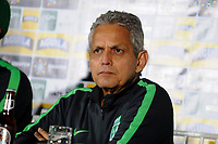CALI - COLOMBIA, 13-06-2017: Reinaldo Rueda, técnico del Nacional, durante rueda de prensa previo al partido de ida  entre el Deportivo Cali y Atlético Nacionali por la final de la Liga Aguila I 2017 a jugarse mañana, 14 de junio de 2017, en el estadio Palmaseca de Cali. / Reinaldo Rueda, coach of Nacional, during the press conference prior the first leg match between Deportivo Cali and Atletico Nacional for the final of the Aguila League I 2017 that to be held tomorrow, 14 of june 2017, at Palmaseca stadium in Cali.  Photo: VizzorImage/ Nelson Rios /Cont