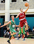 2016-01-09 / Basketbal / Seizoen 2015-2016 / Guco Lier - Kontich Wolves / De Beukeleer (Lier) komt te laat om De Lepeleire af te stoppen<br /><br />Foto: Mpics.be