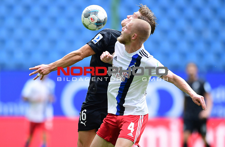 v.l. Kevin Behrens, Rick van Drongelen (HSV)<br />