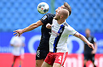 v.l. Kevin Behrens, Rick van Drongelen (HSV)<br />Hamburg, 28.06.2020, Fussball 2. Bundesliga, Hamburger SV - SV Sandhausen<br />Foto: Tim Groothuis/Witters/Pool//via nordphoto<br /> DFL REGULATIONS PROHIBIT ANY USE OF PHOTOGRAPHS AS IMAGE SEQUENCES AND OR QUASI VIDEO<br />EDITORIAL USE ONLY<br />NATIONAL AND INTERNATIONAL NEWS AGENCIES OUT