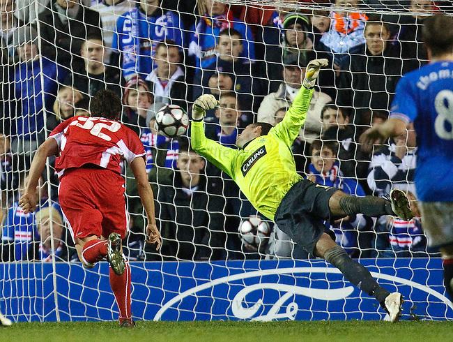 Zdravko Kuzmanovic heads Stuttgart's second goal past the arms of Allan McGregor