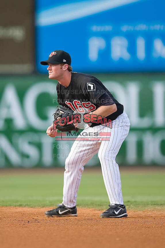 Second baseman Dale Mollenhauer (15) of the Winston-Salem Warthogs on defense at Ernie Shore Field in Winston-Salem, NC, Saturday August 9, 2008. (Photo by Brian Westerholt / Four Seam Images)