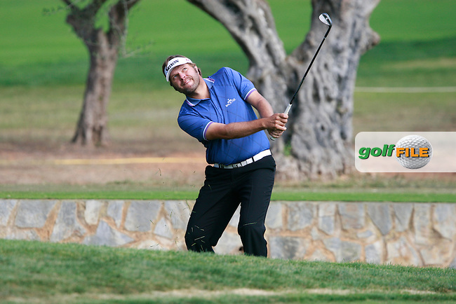 Jose Manuel Lara (ESP) chips onto the 2nd green during Thursday's Round 1 of the Castello Masters at the Club de Campo del Mediterraneo, Castellon, Spain, 20th October 2011 (Photo Eoin Clarke/www.golffile.ie)