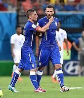 FUSSBALL WM 2014  VORRUNDE    Gruppe D     England - Italien                         14.06.2014 Marco Verratti (li) und Antonio Candreva (re, beide Italien) nach dem 0:1