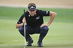 Ian Poulter lines up his putt on the 8th green during Day 2 Friday of the Abu Dhabi HSBC Golf Championship, 21st January 2011..(Picture Eoin Clarke/www.golffile.ie)