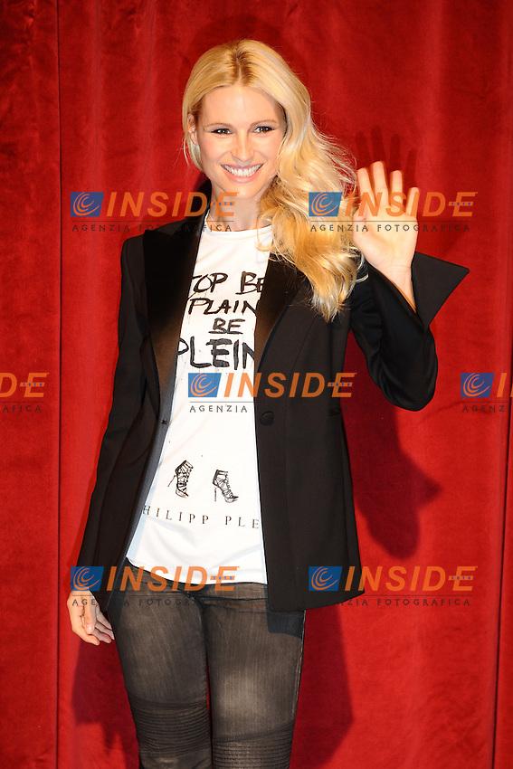 """Michelle HUNZIKER.Roma 3/11/2011 Teatro SISTINA.""""Mi scappa da ridere"""" (theatre comedy) Photocall .Foto Insidefoto Andrea Staccioli"""