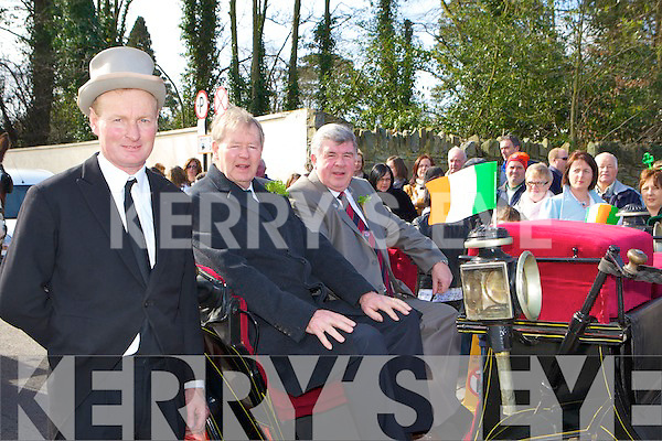 Mike Sweetman, Micha?el O'Muircheartaigh and Sean Counihan deputy Mayor at the Killarney with Black Beauty St Patricks parade on Thursday