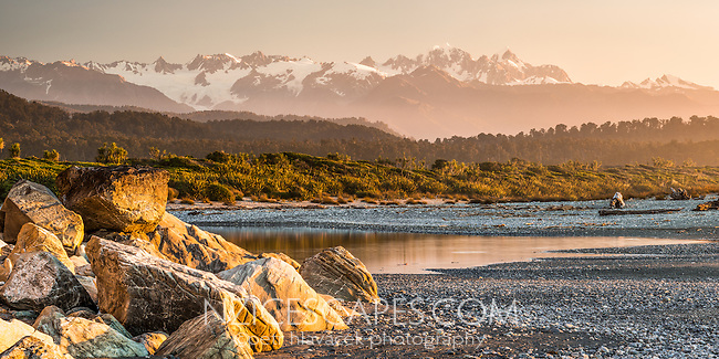 Spectacular views of Southern Alps from beach near Okarito. Mt. Tasman and Mt. Cook, Westland Tai Poutini National Park, UNESCO World Heritage Area, South Westland, West Coast, New Zealand, NZ
