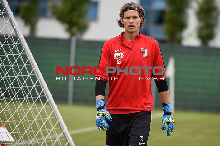 16.09.2016, WWK-Arena, Augsburg, GER, 1.FBL, Training FC Augsburg , im Bild<br /> <br /> Torwart Marvin Hitz ( FC Augsburg #35) <br /> <br /> Foto &copy; nordphoto / Schreyer