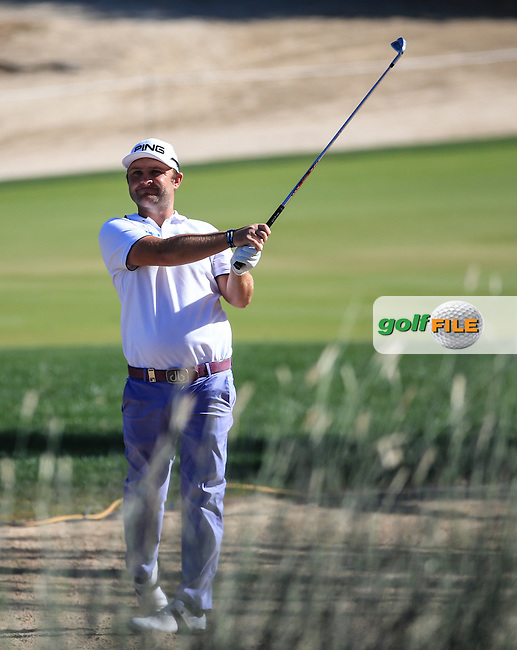 Andy Sullivan (ENG) playing to the 12th during Round Three of the 2016 Omega Dubai Desert Classic, played on the Emirates Golf Club, Dubai, United Arab Emirates.  06/02/2016. Picture: Golffile   David Lloyd<br /> <br /> All photos usage must carry mandatory copyright credit (&copy; Golffile   David Lloyd)