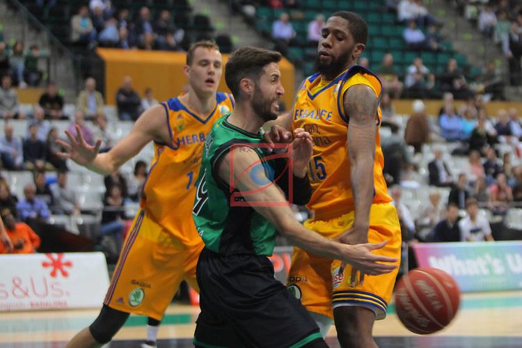 League ACB-ENDESA 2016/2017. Game: 28.<br /> Divina Seguros Joventut vs Herbalife Gran Canaria: 86-72.<br /> Sergi Vidal vs Royce O'Neale.