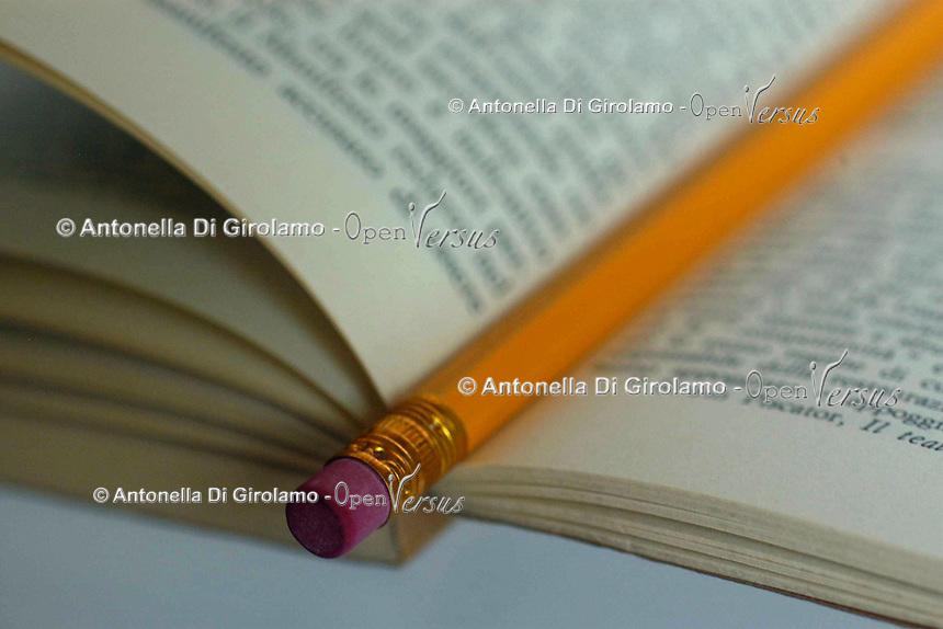 Libro. Book...