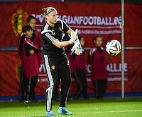 20150922 - LEUVEN ,  BELGIUM : Belgian Justien Odeurs pictured during warming up of the female soccer game between the Belgian Red Flames and Bosnia and Herzegovina , the first game in the qualification for the European Championship in France 2017  , Thursday 22 September 2015 at Stadion Den Dreef  in Leuven , Belgium. PHOTO DAVID CATRY