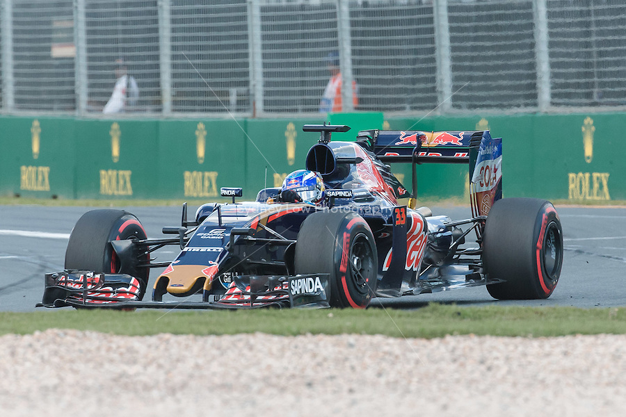 March 20, 2016: Max Verstappen (NDL) #33 from the Scuderia Toro Rosso team at turn one of the 2016 Australian Formula One Grand Prix at Albert Park, Melbourne, Australia. Photo Sydney Low